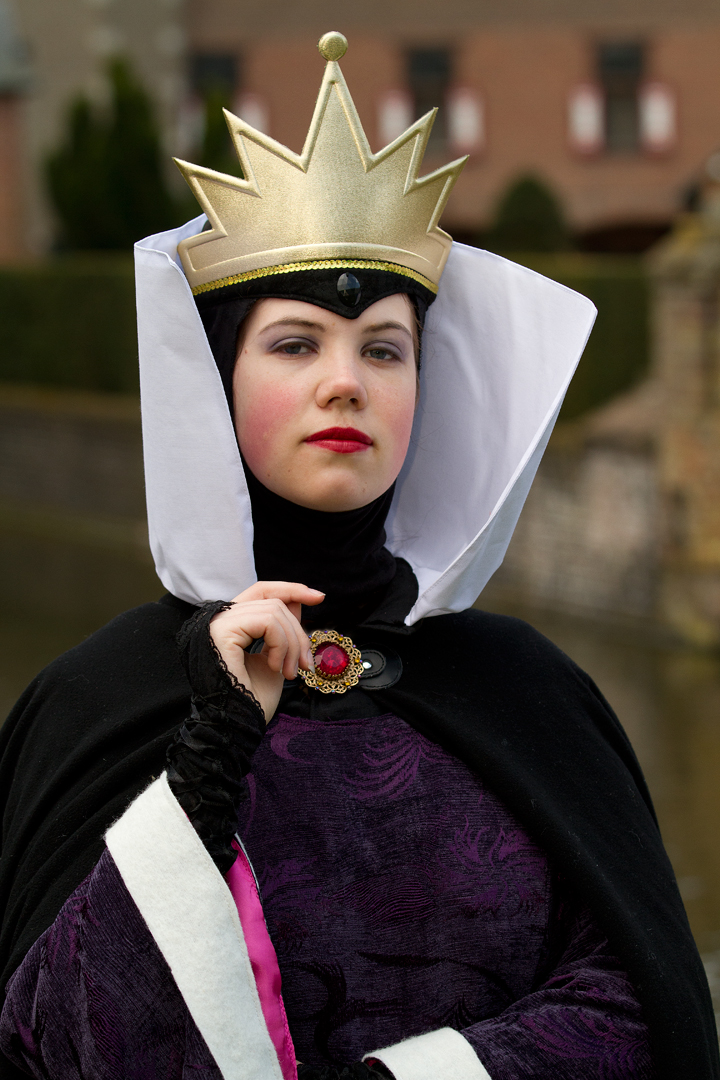 The evil Queen - EFF by cheetaleonie