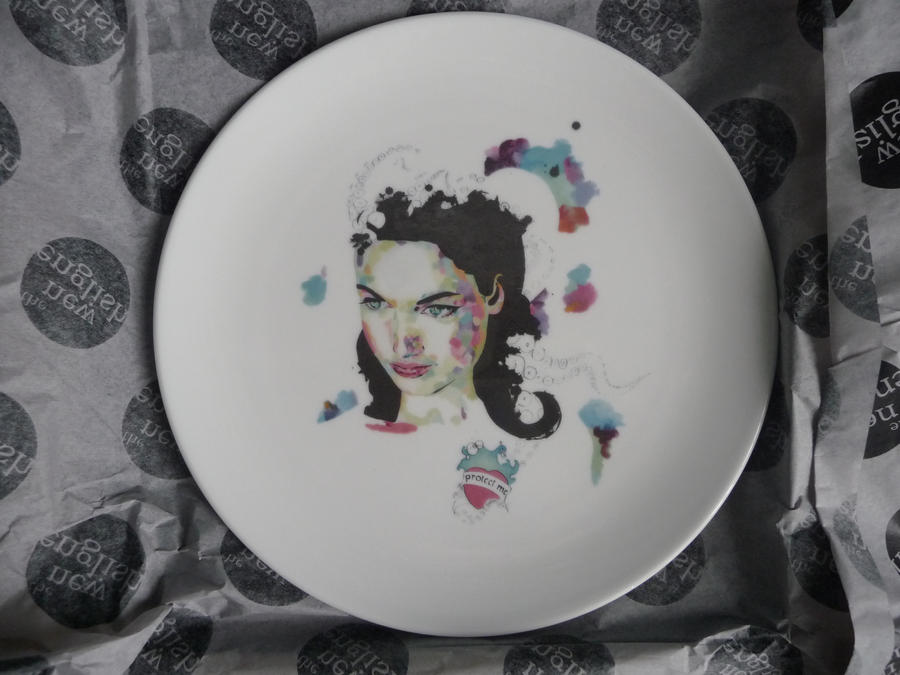 Plate by sophiebastien