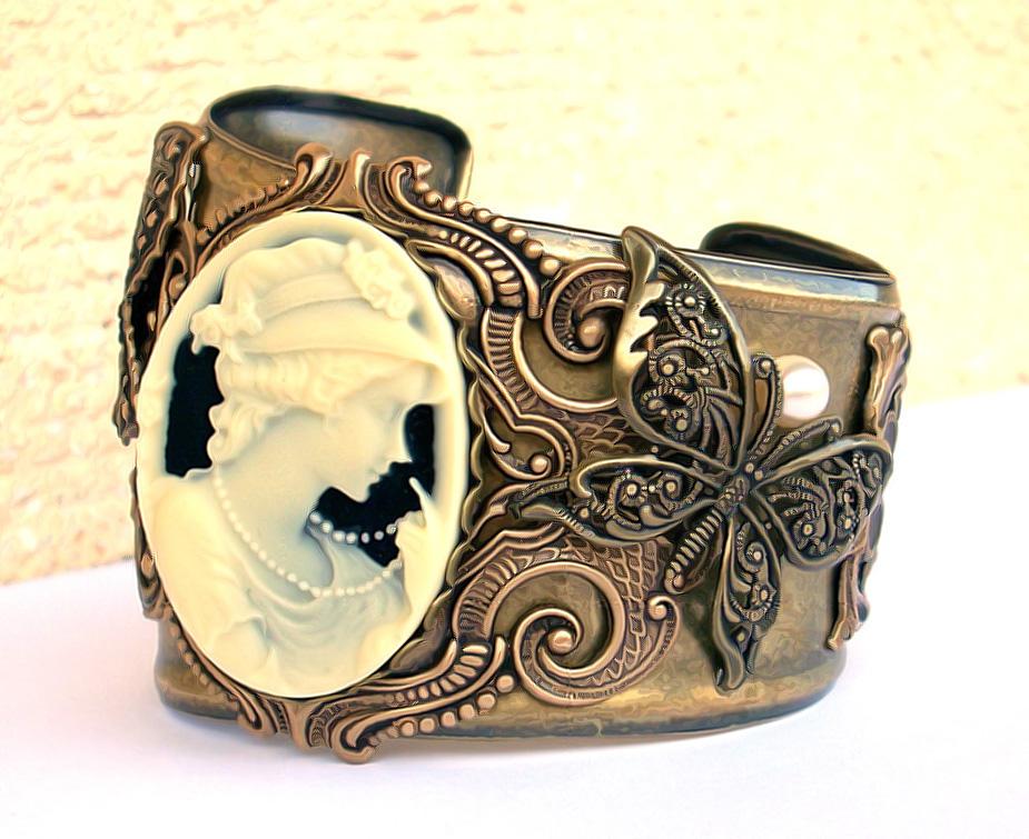 Brass Cuff Bracelet by Aranwen