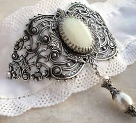 White Bridal Choker by Aranwen