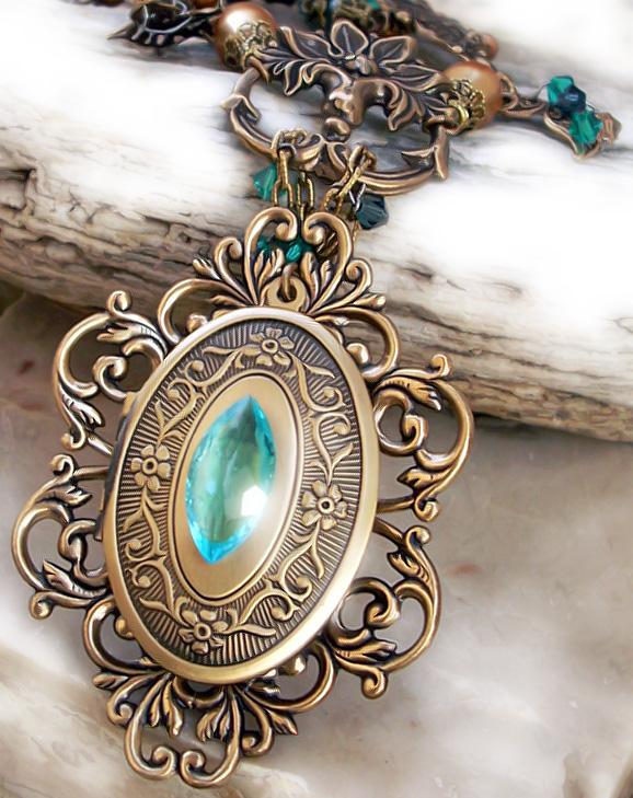 Emerald Dragon Golden Amulet By Aranwen On Deviantart