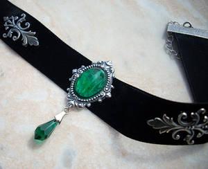 Black Velvet Choker - Emerald