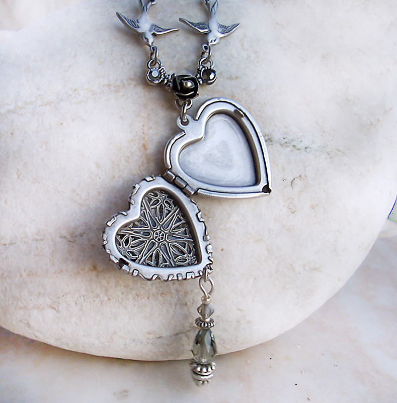 Tumblr heart necklace