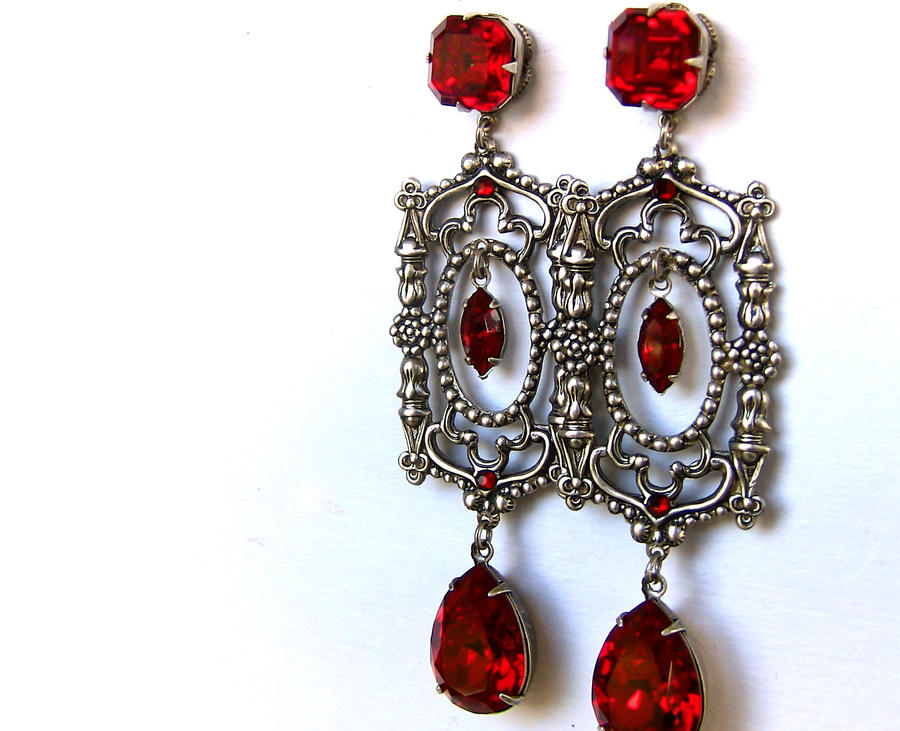 Red Gothic Earrings by Aranwen