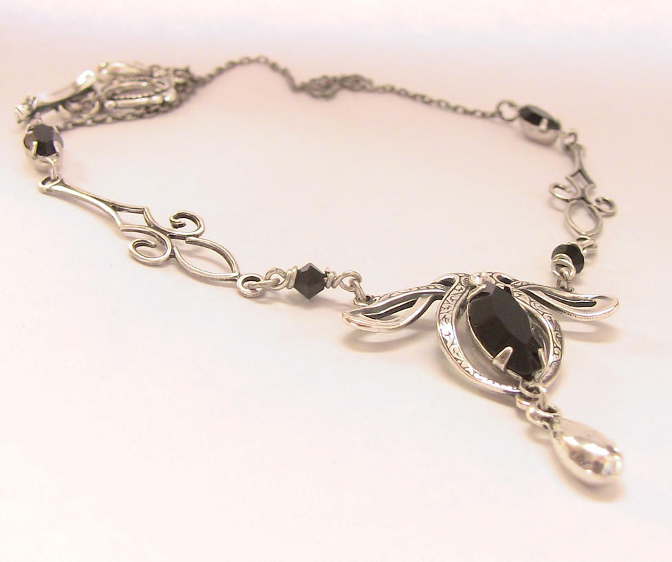 Black Crystal Necklace by Aranwen