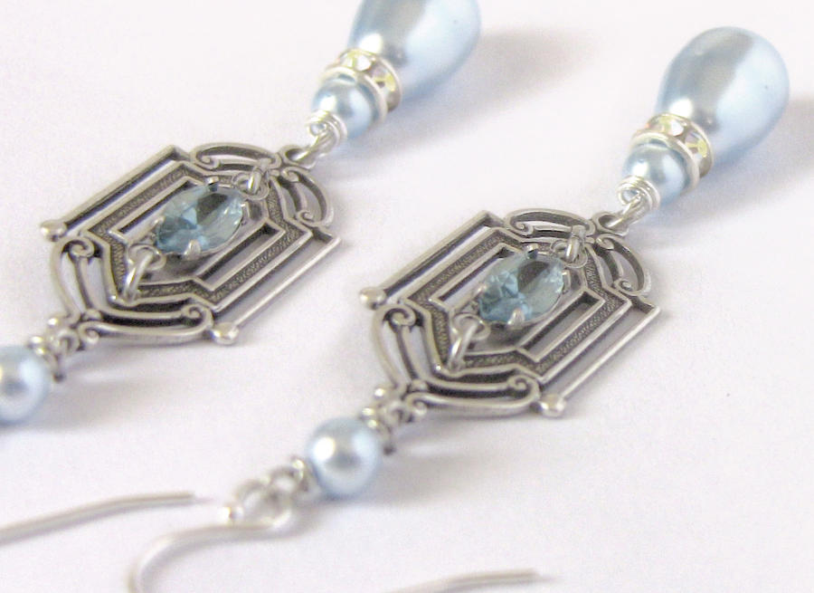 Blue Pearl Earrings by Aranwen