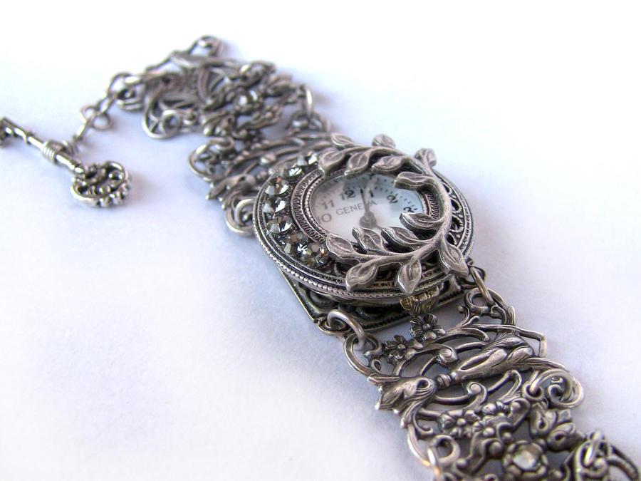 Gothic Silver watch 1 by Aranwen
