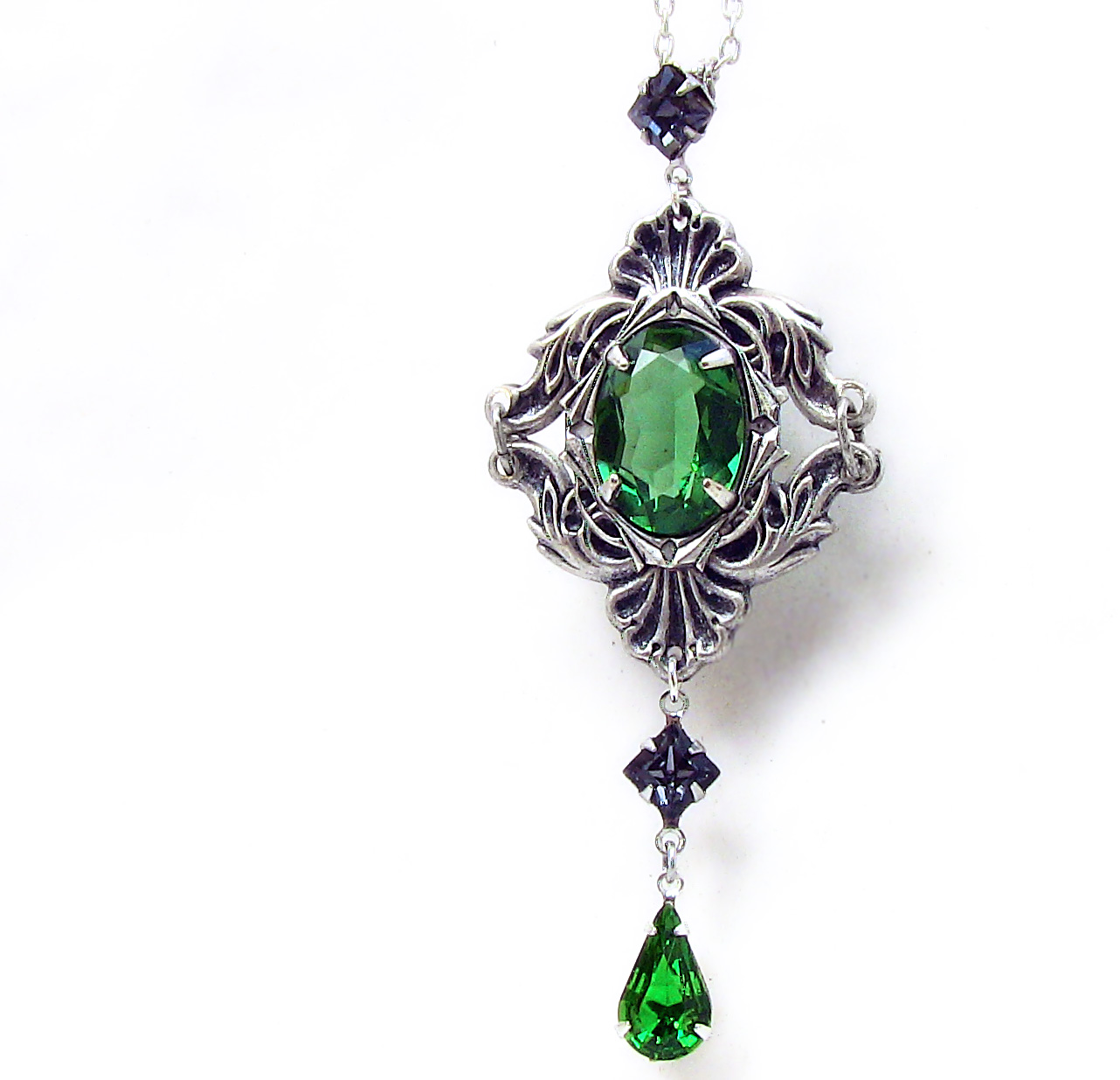 Emerald Green Necklace 1 by Aranwen