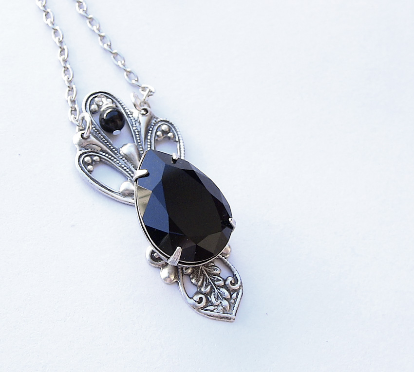 Black Jewel Necklace 1 by Aranwen