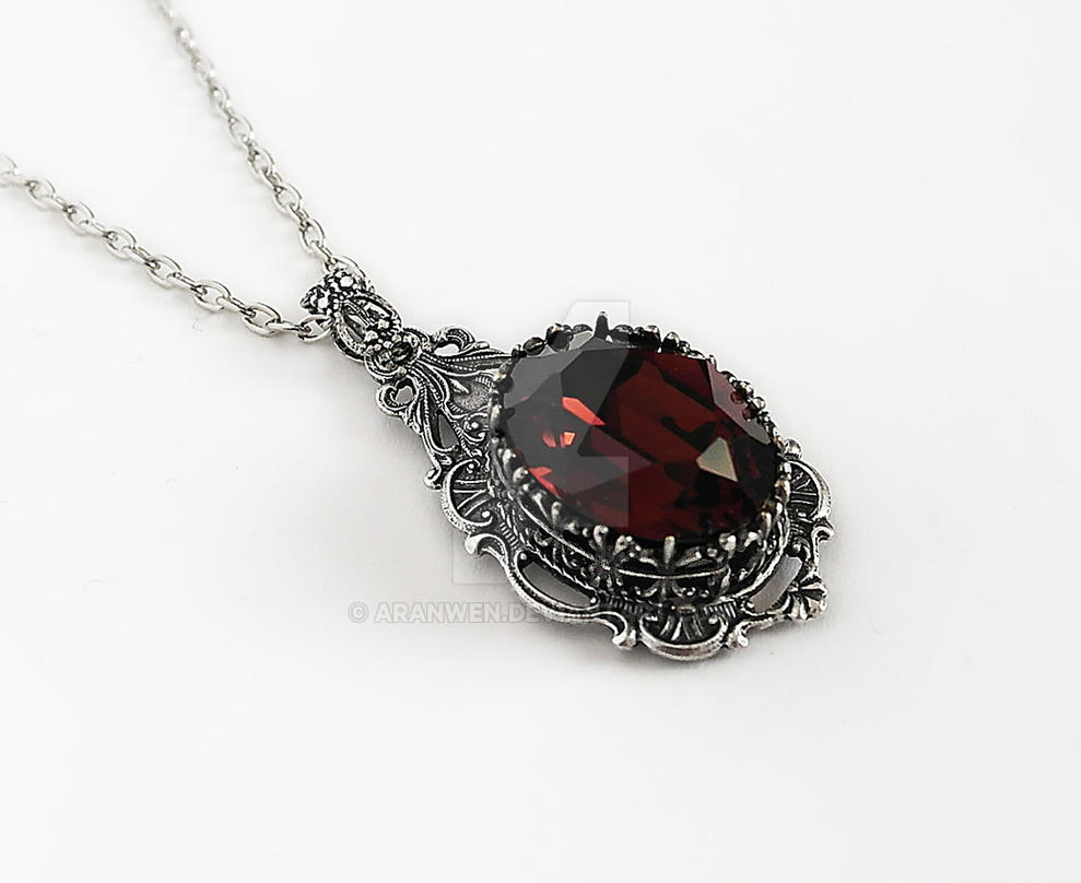dp night amazon alchemy gothic necklace the queen acfl pendant com of
