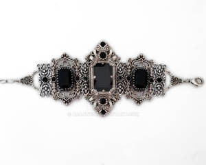 Gothic bracelet with black swarovski