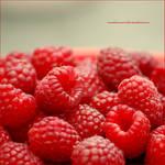Sweet raspberries by emilianna12
