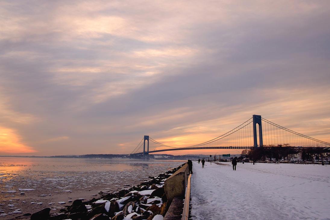 Frozen Bay by bloknayrb