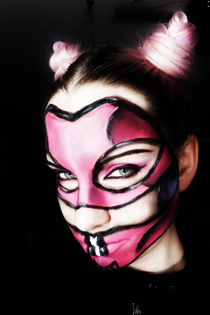 Pink mask by SoBeart