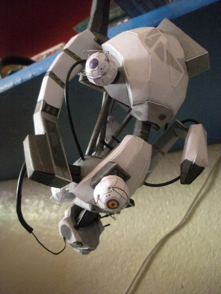 GlaDOS Papercraft 3 by DemonBa55Player