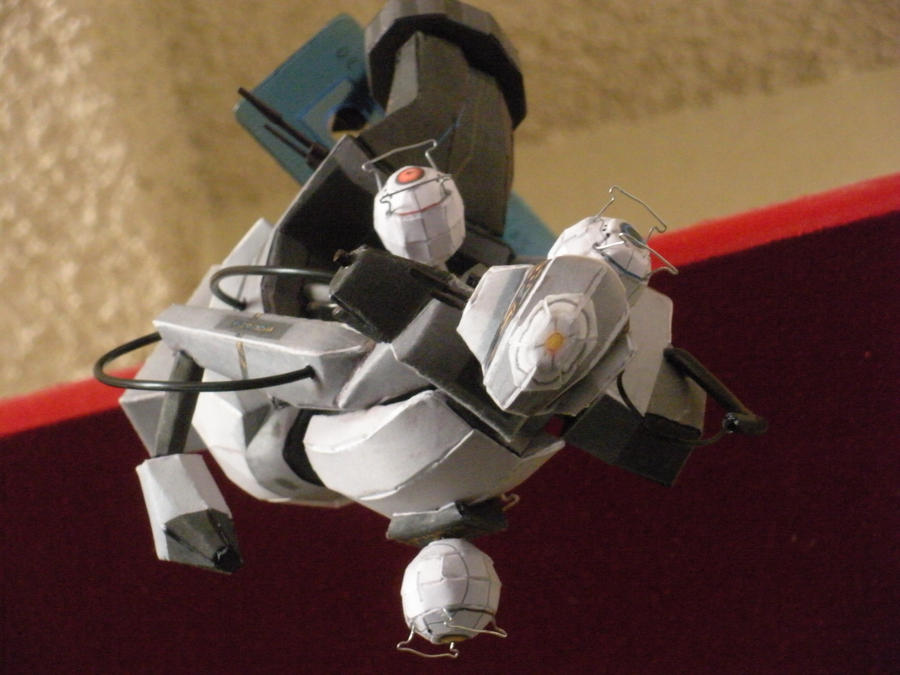GlaDOS Papercraft 4 by DemonBa55Player