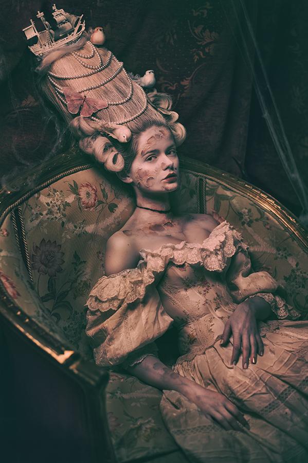 Marie Antoinette Walking Dead by Widmanska