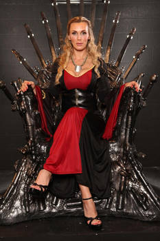 Tanya Tate as Cersei Lannister