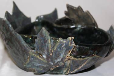 Leaf Bowl Close by mrhmit
