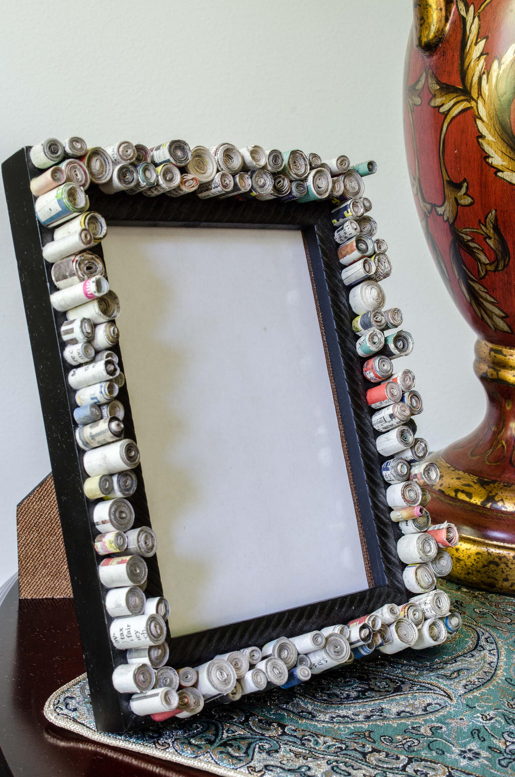 recycled picture frame made with rolled newspaper by rebeccajewelry
