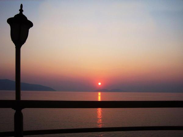 sunset_by_psioniks.jpg