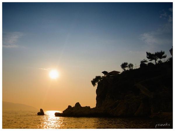 sunset_5_by_psioniks.jpg