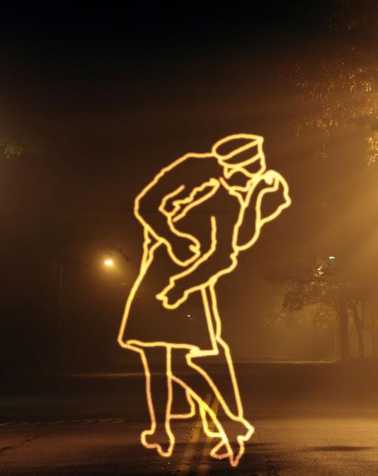 light glow kiss by absolute-beginner