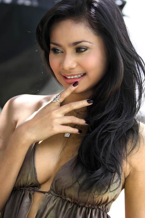 Wanita Indonesia'5 by renoaji