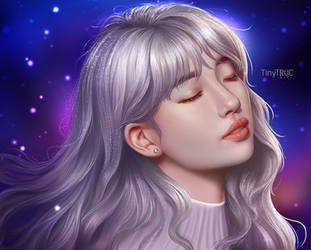 Suzy Portrait with silver hair by TinyTruc