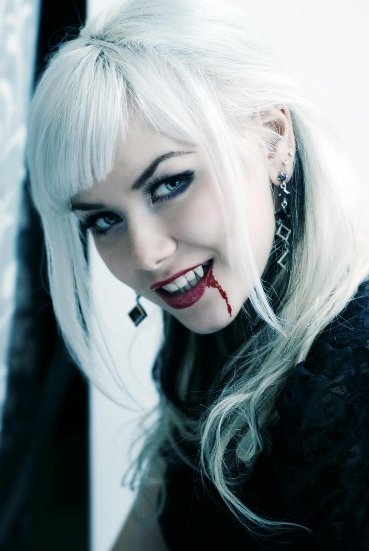 vampire by VikkyCrystal