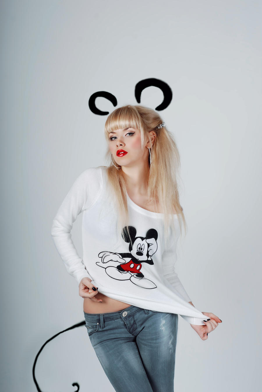 Mickey Mouse by VikkyCrystal