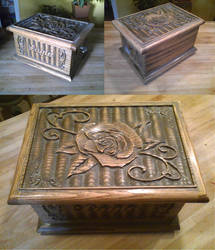 Jewelry box for Layla. by ArtbyBeans