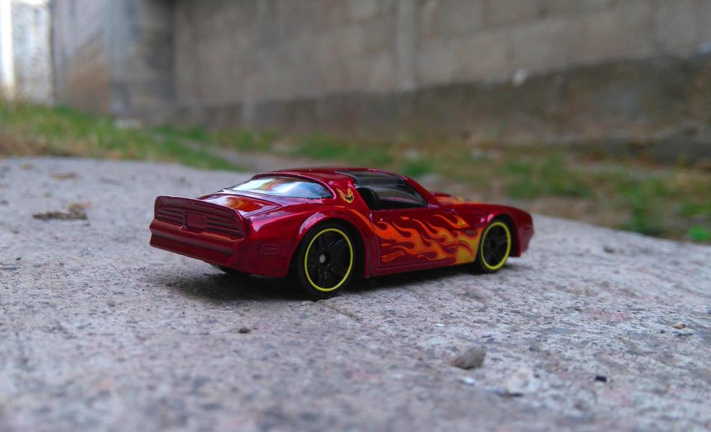 77 Pontiac Firebird by MannuelAlegria