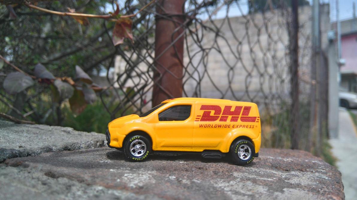 DHL Paqueteria by MannuelAlegria