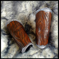 Woodgrain Druid Bracers