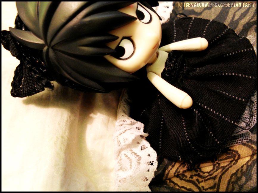L is a gothic lolita by jeevascomplex
