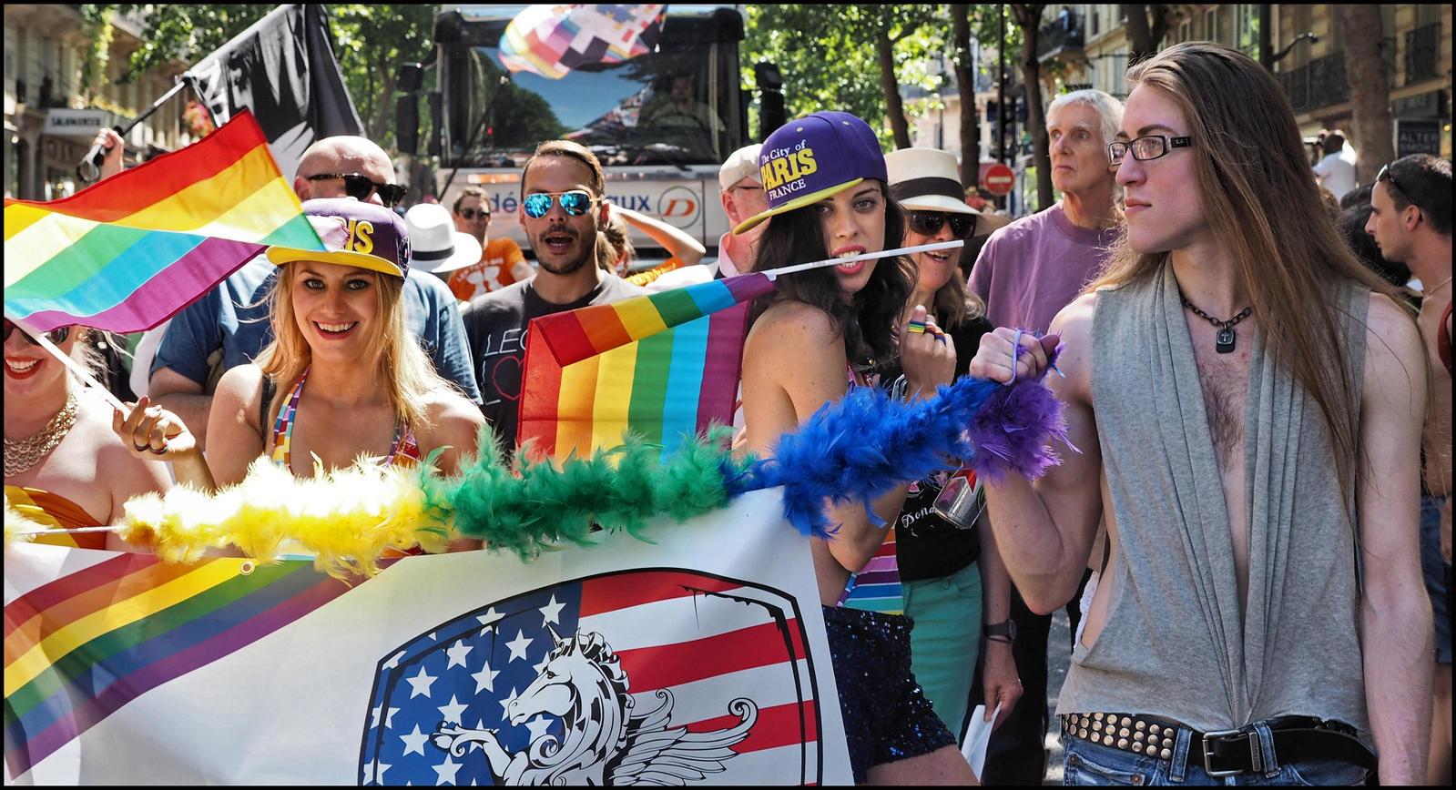 Gay pride: la pluie perturbe la Marche des fiertés LGBTI à Lyon