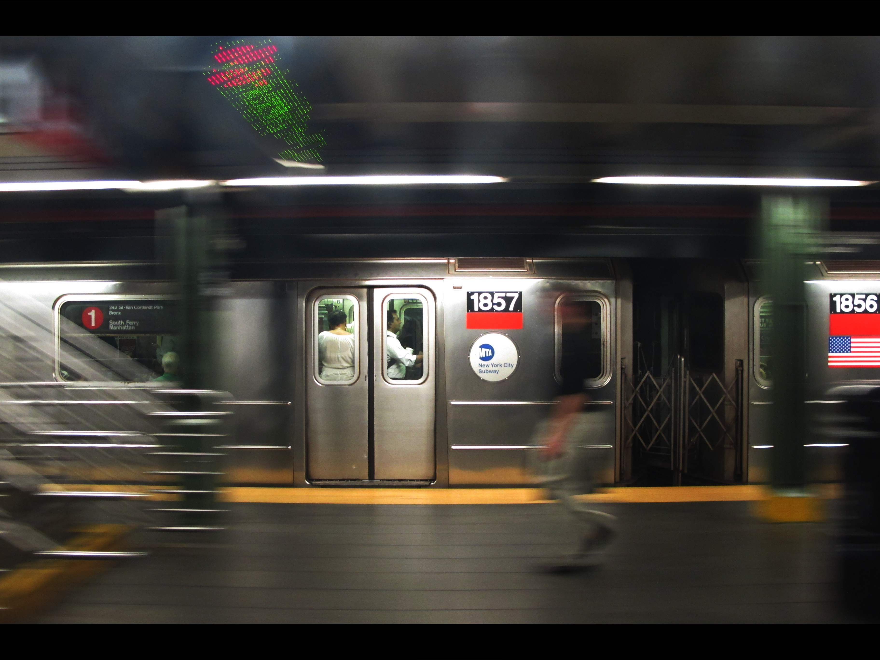 art in the new york city underground subway system The new york city subway system isn't known for being one of the world's most beautiful public transit systems, but believe it or not, it is home to some world-class art the mta has been .