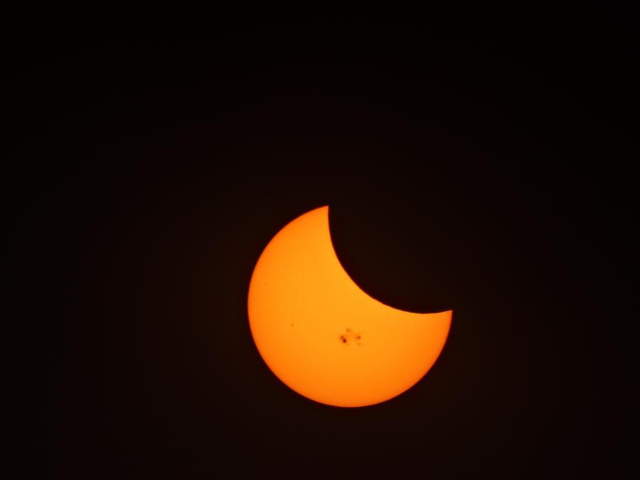 Solar eclipse 10-24-2014 by PhanThom-art
