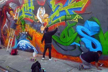 Making a graffiti.