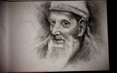 Portrait study in charcoal by Helroir