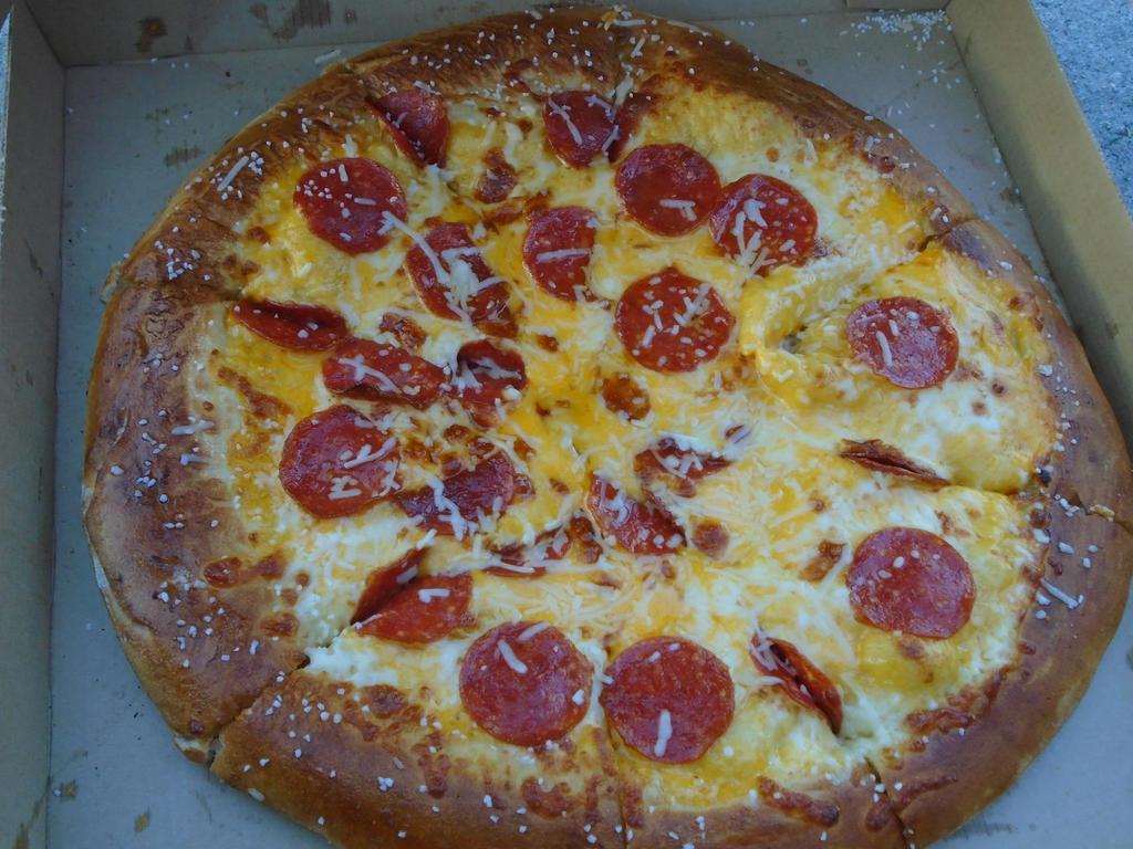 Pretzel crust pepperoni pizza by mylesterlucky7