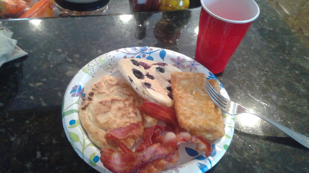 Blueberry pancakes, bacon and hash browns by mylesterlucky7