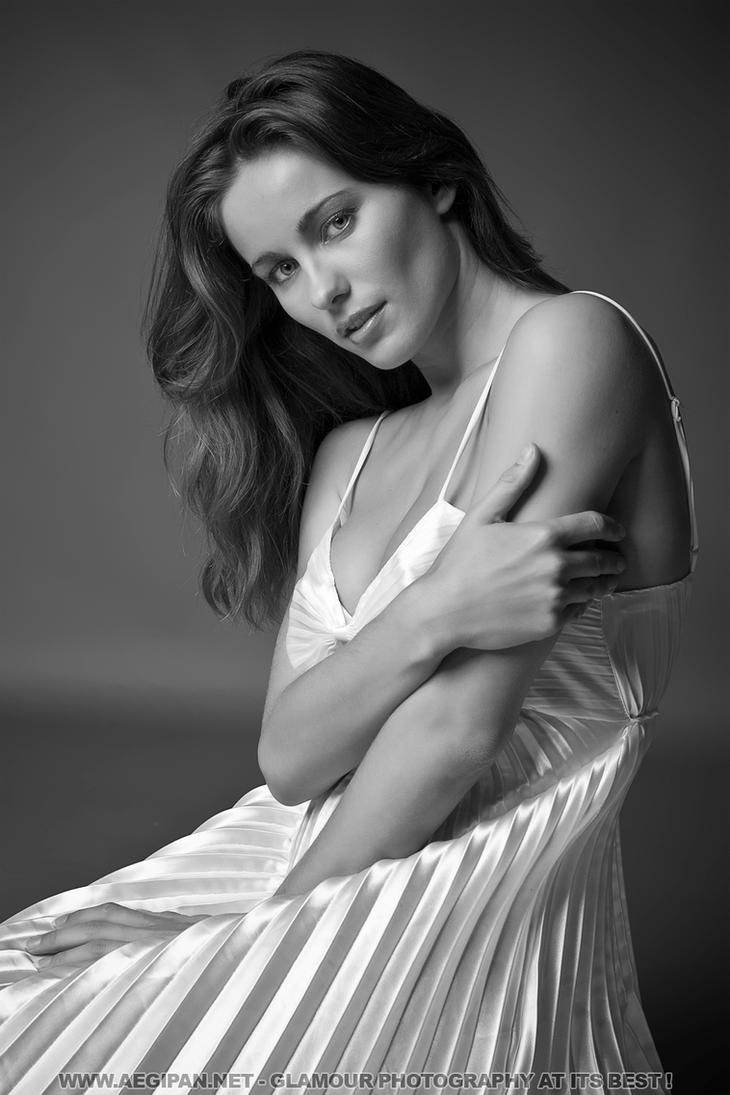 Simple Portrait II Kyla Cole by aegipan