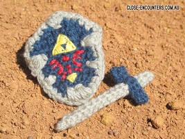 Legend of Zelda Hylian Shield by Close-Encounters