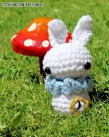 Amigurumi White Rabbit Alice in Wonderland by Close-Encounters