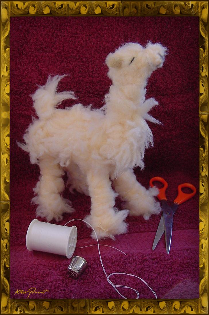 Plushie llama by altergromit