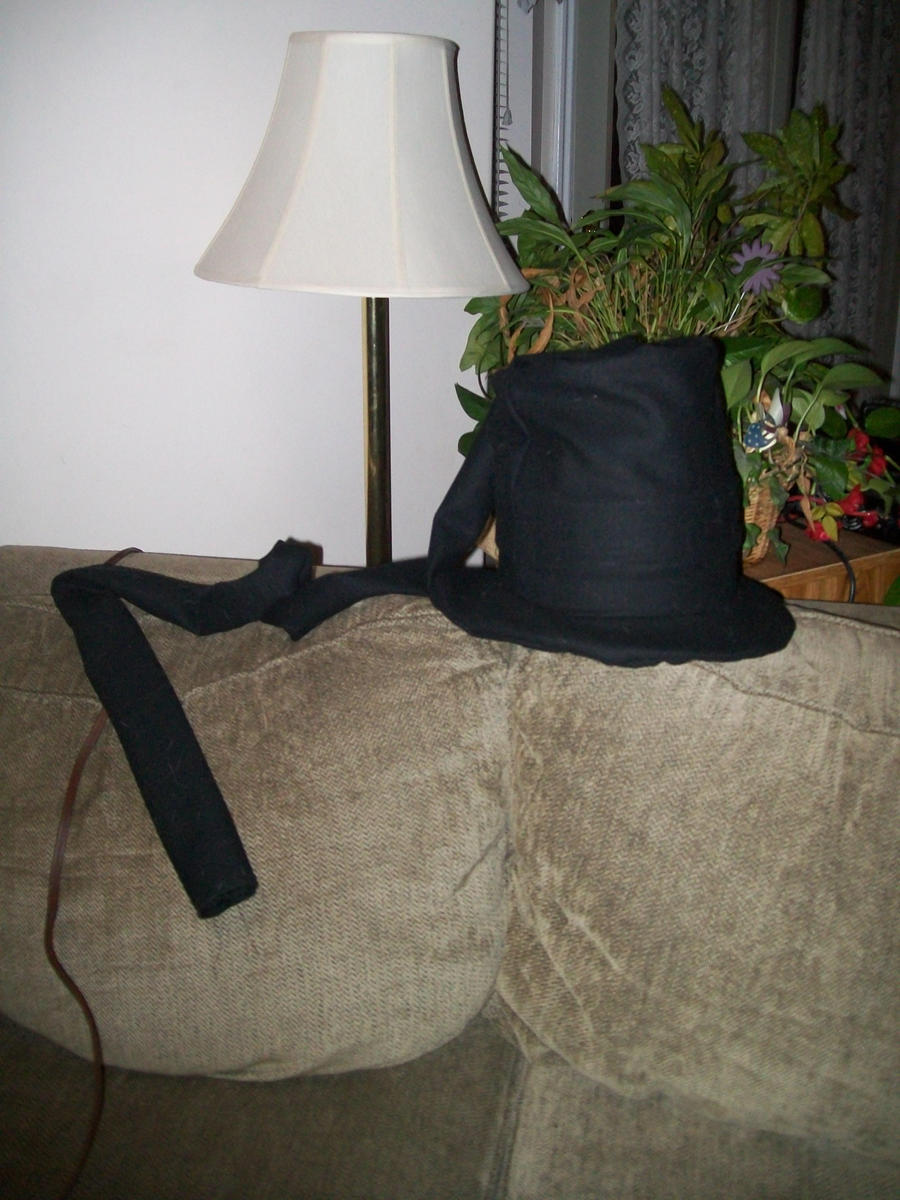 Undertaker Hat by Midorii-kiri