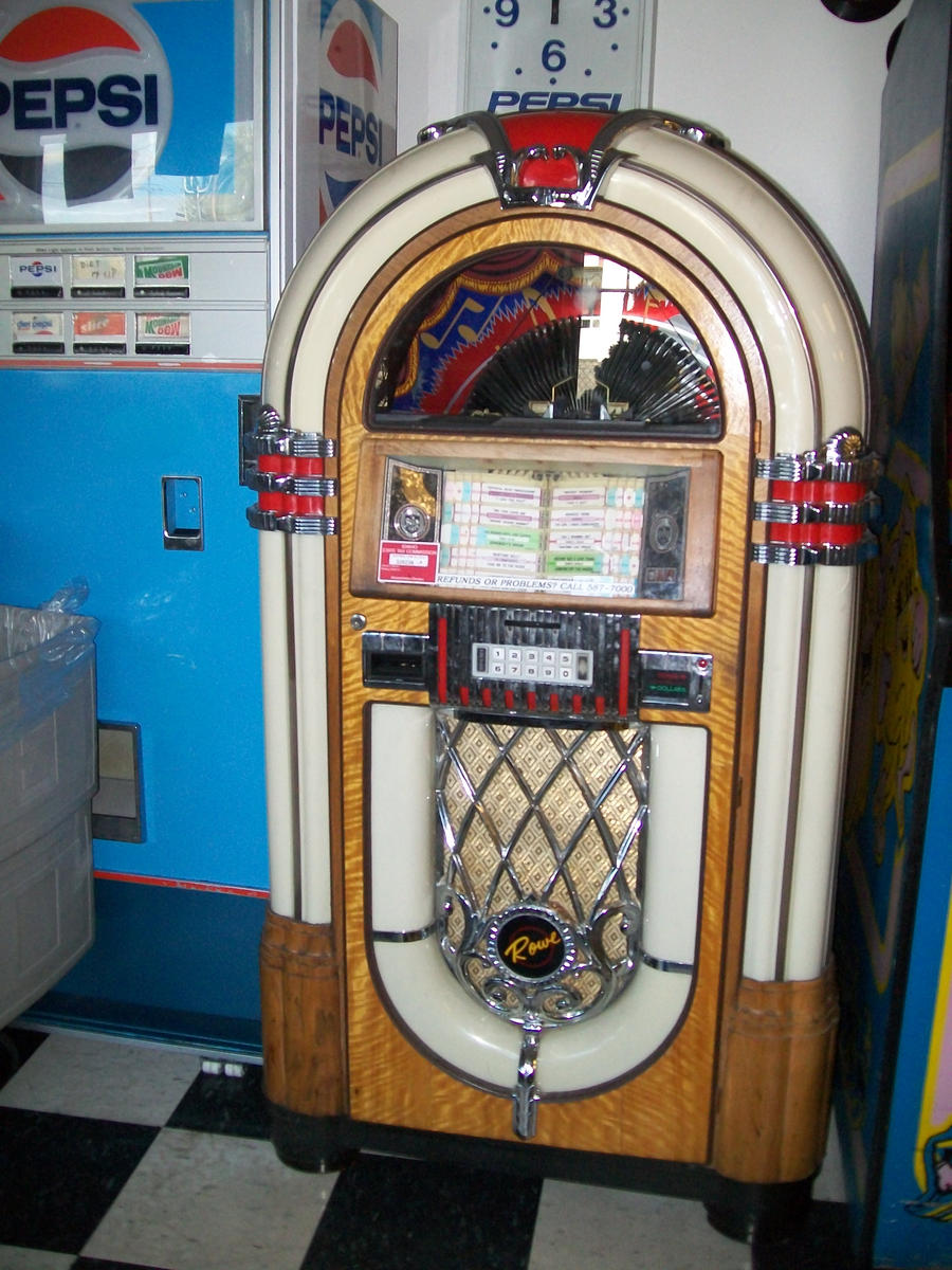 Jukebox by Midorii-kiri