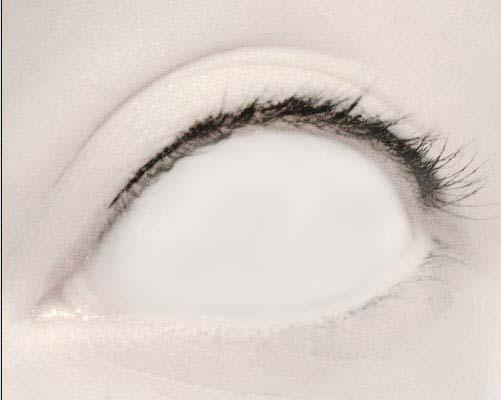 Как сделать белые глаза на фото